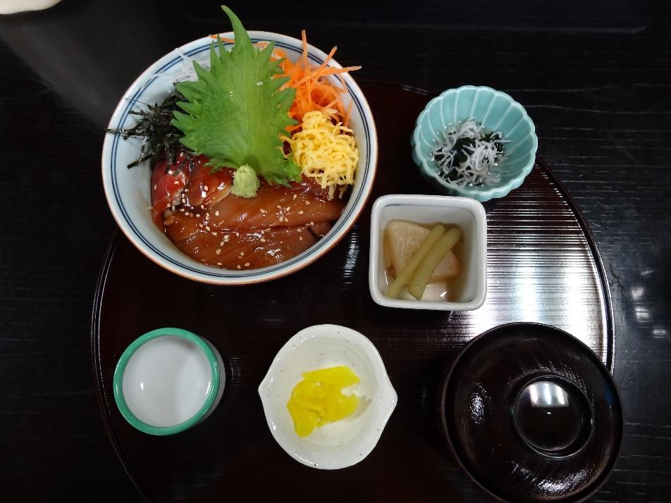 食事処『ひげ爺の栖』のマグロ丼